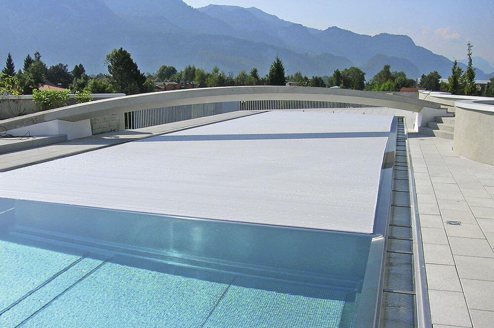 Жалюзи для бассейнов
