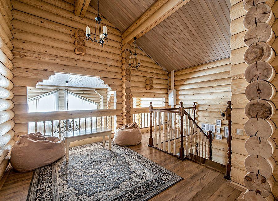 фото деревянных домов из бревна внутри гость клумб